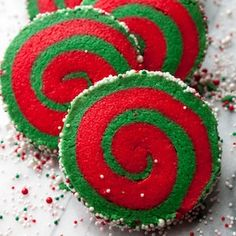 These Whoville cookies (Christmas Pinwheel Cookies) are a fun and yummy sugar cookie. Red and green make these cookies festive and fun for christmas. Grinch Christmas Party, Christmas Sweets, Christmas Cooking, Christmas Goodies, Green Christmas, Christmas Time, Grinch Party, Christmas Kitchen, Christmas Colors