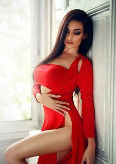 Порно люси зара красные ногти