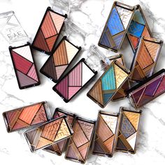 ✨LA Girl Eye Lux Eyeshadow $5/ea. ✨ Grab these cute little shadows with promo code : SUNSOUT SHOP AT - http://www.pick6deals.com/la-girl-eye-lux-eyeshadow.html