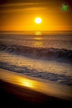 Sunrise over the Pacific. San José del Cabo, Baja California Sur, Mexico.