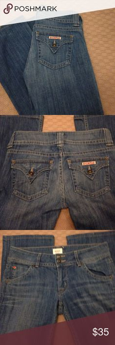 "Hudson jeans These Hudson blue jeans are a great color. These jeans are in excellent condition. Lying flat it is 16"". The inseam is 28"". Hudson Jeans Jeans"