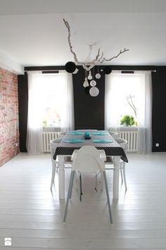 Pokój dzienny. Lampa DIY. - zdjęcie od Agnieszka Kijowska - Salon - Styl Skandynawski - Agnieszka Kijowska, black & white, scandinavian design, livingroom, pillows, patchwork, decoration, diy