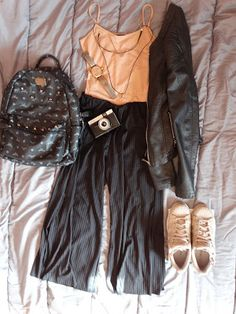 Sisters In Fashion:                   My outfit for todays' walk! Be s...