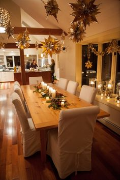 A Golden Holiday Party for the Ladies - The Sweetest Occasion Christmas Tabletop, Christmas Table Settings, Christmas Decorations, Table Decorations, Centerpieces, Holiday Parties, Holiday 2014, Holiday Ideas, Dining Area