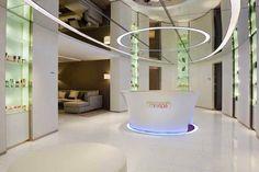 Mira Spa at 5 star hotel: The Mira Hotel. This hotel's address is: 118 Nathan Road Tsim Sha Tsui Hong Kong and have 492 rooms Spa Interior Design, Spa Design, Interior And Exterior, House Design, Exterior Design, Lounge Lighting, Modern Kitchen Interiors, Luxury Spa, Hotel Interiors