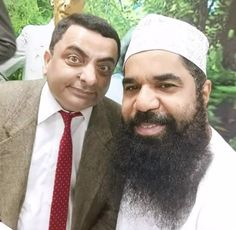 My friend met the Pakistani Mr. Bean via /r/pics Stupid Memes, Dankest Memes, Funny Memes, Hilarious, Awsome Pictures, Funny Pictures, Verona, Fast Money Online, Mr Bean