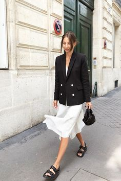 I am cripple m This shopping trick has saved my closet - Street Style Outfits Fashion Mode, Fashion Outfits, Womens Fashion, Fashion Tips, Fashion Trends, Cheap Fashion, Ladies Fashion, Style Fashion, High Fashion