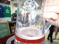 Cerveja Lagom Framboise 9%, estilo Fruit Beer, produzida por Cervejaria Lagom, Brasil. 9% ABV de álcool.