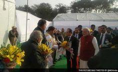 PM Modi, President Hollande Ditch Cavalcades, Ride Metro To Gurgaon - http://www.thenews123.com/2016/01/25/pm-modi-president-hollande-ditch-cavalcades-ride-metro-to-gurgaon/