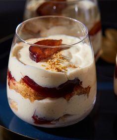Rumos-szilvás pohárkrém recept | Street Kitchen Eat Dessert First, Trifle, Tiramisu, Smoothie, Protein, Pudding, Desserts, Kitchen, Muffin