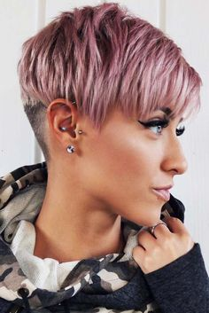 Today we have the most stylish 86 Cute Short Pixie Haircuts. Pixie haircut, of course, offers a lot of options for the hair of the ladies'… Continue Reading → Short Curly Haircuts, Short Hair With Bangs, Haircuts With Bangs, Short Hair Cuts For Women, Hairstyles With Bangs, Cool Hairstyles, Short Wavy, Pixie Haircut Gallery, Medium Hair Styles
