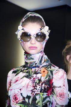 En backstage du défilé Dolce & Gabbana printemps-été 2016