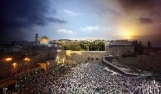Time lapse day to night: the Western Wall in Jerusalem. #photography #photograph #photo #photos #timelapse #cityscape #skyline