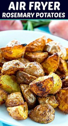 roasted potatoes in air fryer / roasted potatoes . roasted potatoes in oven . roasted potatoes and carrots . roasted potatoes in air fryer . roasted potatoes and asparagus . Air Fryer Recipes Potatoes, Air Fryer Recipes Vegetables, Air Fryer Recipes Snacks, Air Fryer Recipes Vegetarian, Air Fryer Recipes Low Carb, Air Fryer Recipes Breakfast, Roasted Potato Recipes, Air Fryer Dinner Recipes, Healthy Chicken Recipes