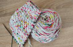 Prairie spring socks, also rainbow socks! Knitting Stitches, Knitting Yarn, Knitting Patterns, Rainbow Socks, Yarn Bag, Sock Yarn, Stitch Patterns, Knit Crochet, Wool