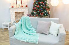 89 отметок «Нравится», 5 комментариев — КОВРЫ ◾ ТАПКИ ◾ СУМКИ (@lizzy.knitting) в Instagram: «Доброе плюшевое утро💙 Покажу вам пледик, пока я тружусь над крайним ковром в этом году😌 О насущном.…»