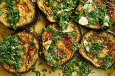Israeli recipes: Promised eggplant - Israelische Rezepte: Gelobte Aubergine Marinated Eggplant Recipes from Israel and Palestine Marinated Eggplant Recipe, Eggplant Recipes, Marinated Chicken, Clean Eating Snacks, Healthy Eating, Snacks Sains, Israeli Food, Israeli Recipes, Vegetarian Recipes