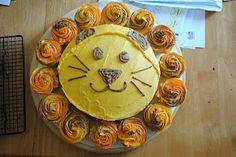 Cupcake lion cake