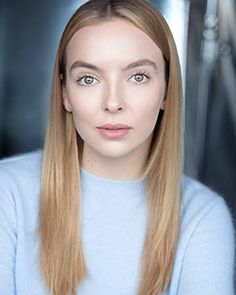 Jodie Comer was born on March 1993 in Liverpool, Merseyside, England. She is known for her work on Killing Eve Free Guy and Star Wars: Episode IX - The Rise of Skywalker Hair Lights, Light Hair, Beautiful Celebrities, Beautiful Actresses, Beautiful Women, Copper Blonde, Jodie Comer, Headshot Photography, Hair 2018