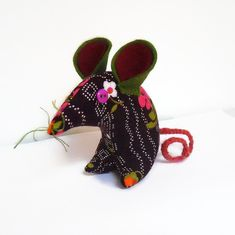 Retro Mouse in 70s Purple Vintage Fabric £9.00