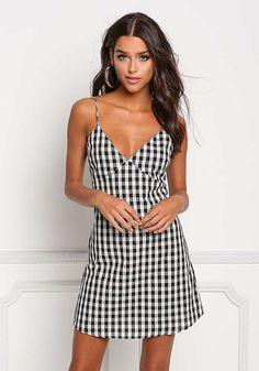 White and Black Gingham Deep V Shift Dress Cute Fashion, Fashion Outfits, Women's Fashion, Cheap Clothes, Clothes For Women, Types Of Jeans, Relaxed Outfit, Junior Outfits, Little Dresses