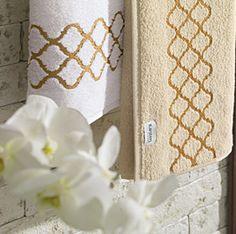 Você encontra na Karsten: jogo de cama, edredom e cobre-leito, toalhas de mesa e banho, e uma infinidade de tecidos para decoração da sua casa!