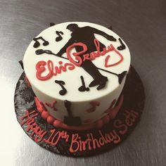 Elvis Presley's Birthday, 80th Birthday, Birthday Cakes, Birthday Ideas, Elvis Cakes, Elvis Presley Cake, Chocolate Covered Bacon, Decade Party, Cupcake Cakes