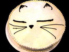 Peach and Cream Cheese Filling, Peach Cake, Vanilla Buttercream. Crazy Cat Lady, Crazy Cats, Happy Holloween, Pipe Decor, Peach Cake, Cat Party, Vanilla Buttercream, Cat Crafts, Cute Cakes