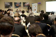 Jean-Michel PASQUIER présente KOEO et le mécénat de compétences pendant PEACE & SPORTS à Monaco devant 200 responsables d'ONG internationales - octobre 2010