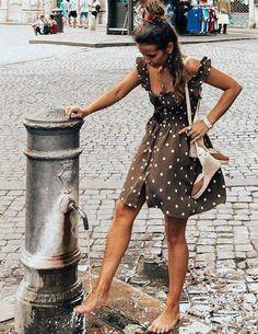 (robe Faithfull the Brand - photo Collage Vintage) Mode Outfits, Fashion Outfits, Womens Fashion, Fashion Tips, Fashion Design, Fashion Trends, Fashion Fashion, Fashion 2018, Ladies Fashion
