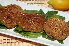 Las hamburguesas de lentejas para que comas sano, rico y diferente. Es un plato vegano o vegetariano lleno de nutrientes.