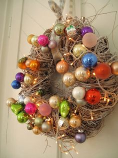 Love the festive look of this wreath. Grapevine, vintage ornaments and battery operated white lights wrapped with a ribbon for hanging. Good for christmas or easter if you want to use plastic eggs Christmas Love, Winter Christmas, All Things Christmas, Vintage Christmas, Xmas, Holiday Wreaths, Holiday Crafts, Holiday Fun, Christmas Decorations