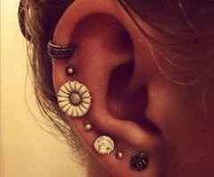 Having multiple (mismatched) earrings