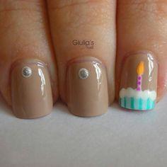 B day nails
