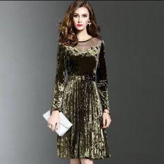 50s Dresses, Lovely Dresses, Beautiful Outfits, Fashion Dresses, Velvet Dress Designs, Coats For Women, Clothes For Women, Curvy Women Fashion, Comfortable Fashion