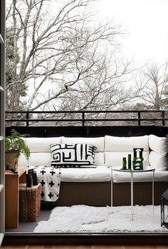 【寒くたって楽しんじゃう】北欧のテラスの屋外リビング | 住宅デザイン