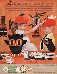 """Hallmark store VINTAGE ADVERTISEMENTS FOR HALLOWEEN"""" I love the illustration and the graphic of retro advertisement, always make me smile! So i selected for you 40 vintage ads for Halloween. Halloween Ii, Retro Halloween, Halloween Signs, Halloween Pictures, Holidays Halloween, Halloween Themes, Happy Halloween, Halloween Greetings, Halloween Horror"""
