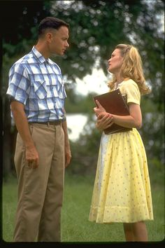 """Tom Hanks and Robin Wright in """"Forrest Gump"""" Tom Hanks - Best Actor Oscar 1994 Forrest Gump Book, Tom Hanks Forrest Gump, Forrest Gump Quotes, Iconic Movies, Great Movies, 90s Movies, I Movie, 1990s Films, Awesome Movies"""