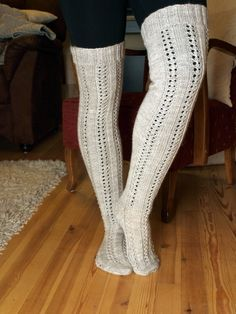Cable Knit Socks, Wool Socks, Knitting Socks, Knit Or Crochet, Crochet Stitches, Knitting Projects, Knitting Patterns, Knitting Ideas, Diy Clothing
