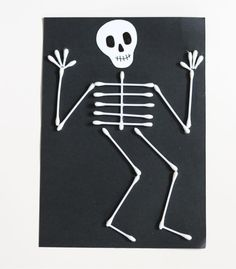 """645 gilla-markeringar, 14 kommentarer - Mer pyssel åt folket! 🐼 (@kreativakarin) på Instagram: """"Med några tops kan man göra roliga och läskiga halloweenskelett 💀 #halloweenpyssel #kreativakarin…"""""""