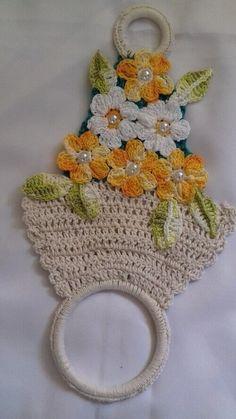 Crochet Towel Holders, Crochet Towel Topper, Crochet Home, Crochet Crafts, Crochet Projects, Owl Crochet Patterns, Crochet Bikini Pattern, Crochet Butterfly, Crochet Flowers