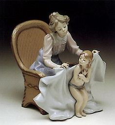 Lladro Mommy It's Cold 1990-93-5715G #Repin by https://www.kensington-bespoke.uk - Bringing the #chic and #style of #Kensington High Street direct to your home.