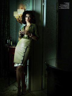 """""""Dame Elizabeth"""" by Mario Testino for V Magazine"""