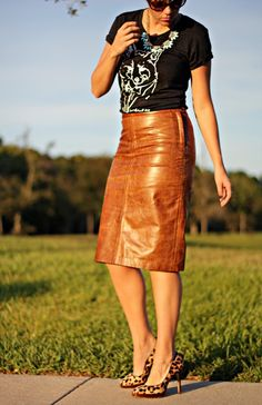 Brown Leather Skirt @W Concept tee leopard heels