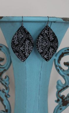 "Damask Metallic Black Pearl Leather Earrings - Medium Droplet (2"") – Sweet P & Fi"