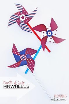 Fun and Easy of July Craft for Kids! Patriotic Pinwheels with free printables 4th Of July Games, 4th Of July Party, Fourth Of July, How To Make Pinwheels, Pinwheel Craft, July Birthday, Birthday Parties, 4th Of July Fireworks, 4th Of July Decorations