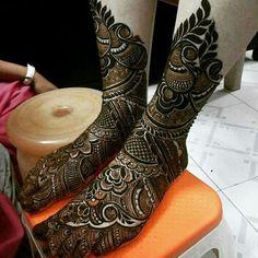 Looking for Simple jaali mehendi design on a bridal foot? Browse of latest bridal photos, lehenga & jewelry designs, decor ideas, etc. Mehndi Designs Feet, Indian Mehndi Designs, Stylish Mehndi Designs, Mehndi Designs 2018, Mehndi Design Pictures, Mehndi Images, Hena Designs, Leg Mehendi Design, Leg Mehndi
