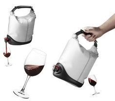 The lovely wine purse Baggy Winecoat from Menu gives the popular Bag in Box wines a casual but stylish look! Simply take the wine bag out of the box, place it in the Baggy Wine Coat and close the flexible top and get a perfect wine purse. A rubber bottom makes sure the Baggy Winecoat do not tip over