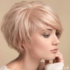 "Short Cropped Hairstyles for Fine Hair [ ""Layered Bob Haircuts 2015 - 2016 Bob Hairstyles 2015 - Short Hairstyles for Women"", ""Looking for a new fresh bob hairstyles? Here we have rounded Layered Bob Haircuts 2015 - 2016 for you to get inspirational ideas Blonde Bob Hairstyles, Haircuts For Fine Hair, Short Hairstyles For Women, Cool Hairstyles, Layered Hairstyles, Pixie Haircuts, Curly Hairstyle, Medium Hairstyles, Hairstyle Ideas"