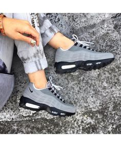 Nike Air Max 95 Id Dust Grey Black White Trainers Work is very fine, very breathable and jumping force.